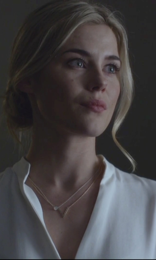 Rachael Taylor with Bony Levy Minimalist Pendant Necklace in Jessica Jones