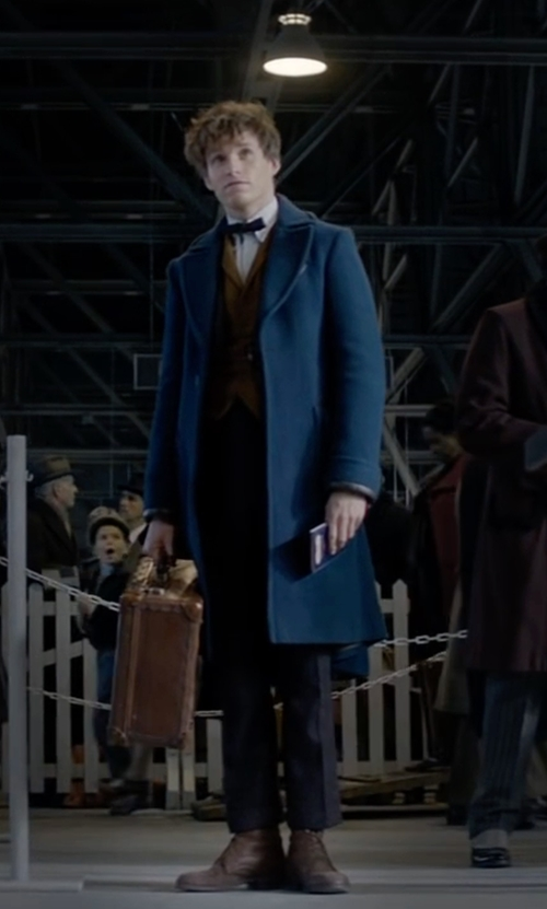 Eddie Redmayne with Michael Kors Slim-Fit Cotton Trousers in Fantastic Beasts and Where to Find Them