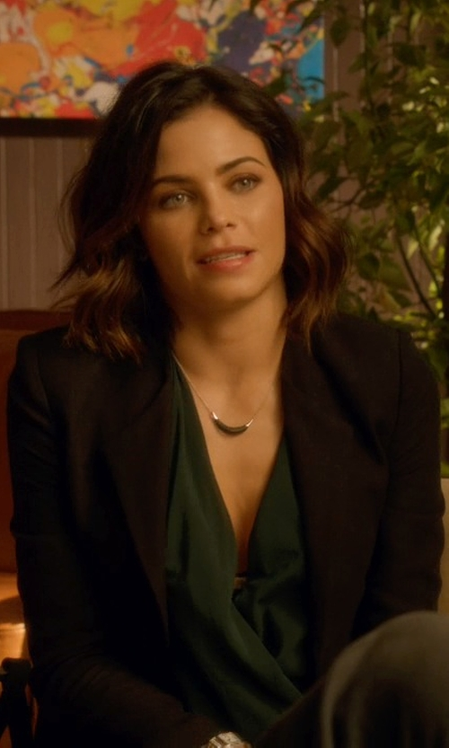 Jenna Dewan Tatum with Theory Delaven Open-Front Suit Jacket in Supergirl
