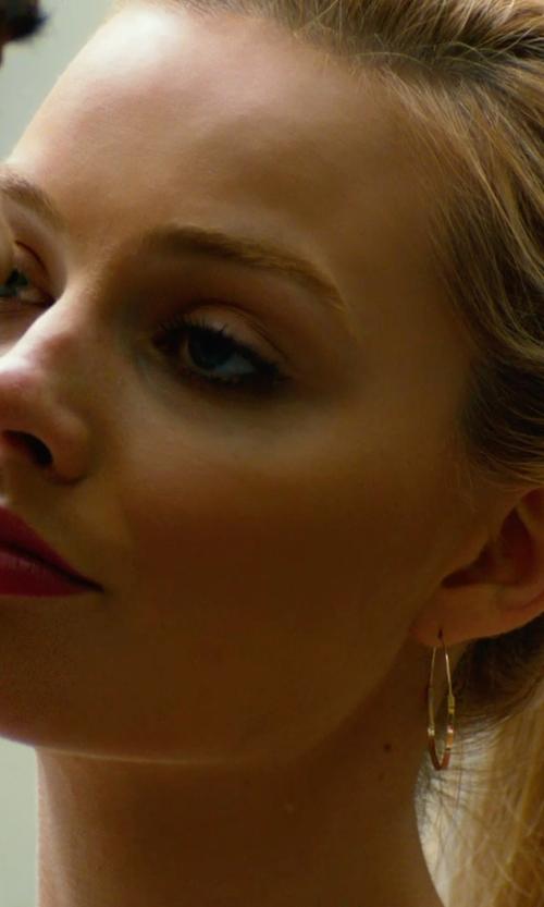 Margot Robbie with Lana Jewelry Large Flat Magic Hoop Earrings in Focus