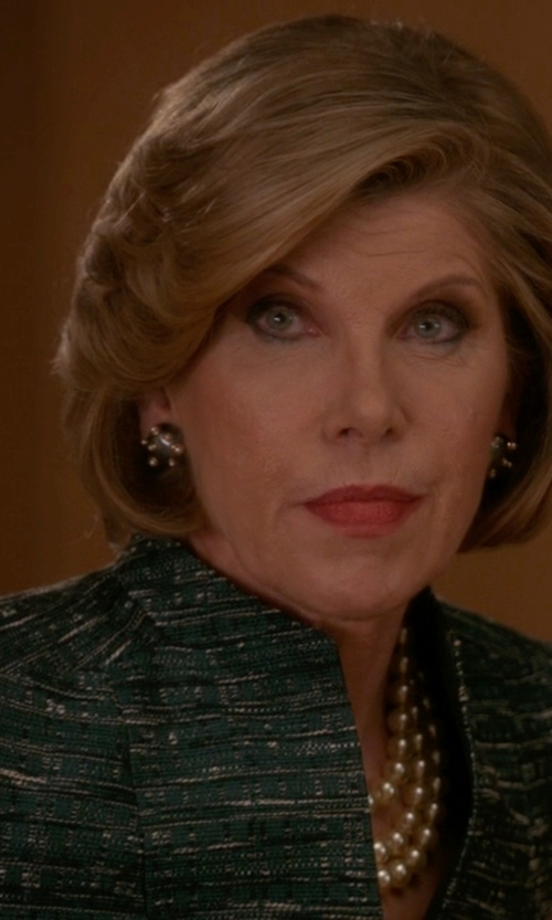 Christine Baranski with John Wind Layered Glass Pearl Necklace in The Good Wife