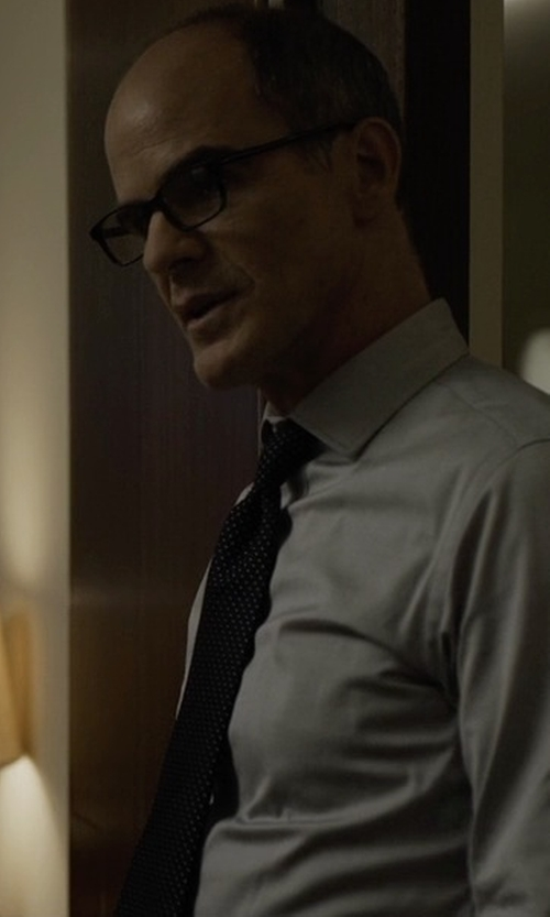 Michael Kelly with John Varvatos Checked Tie in House of Cards
