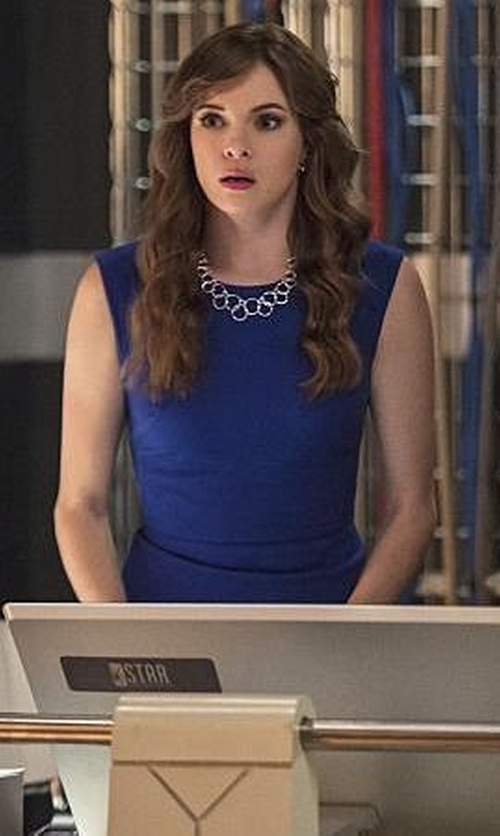 Danielle Panabaker with Stephanie Kantis Coronation Large Chain Necklace in The Flash