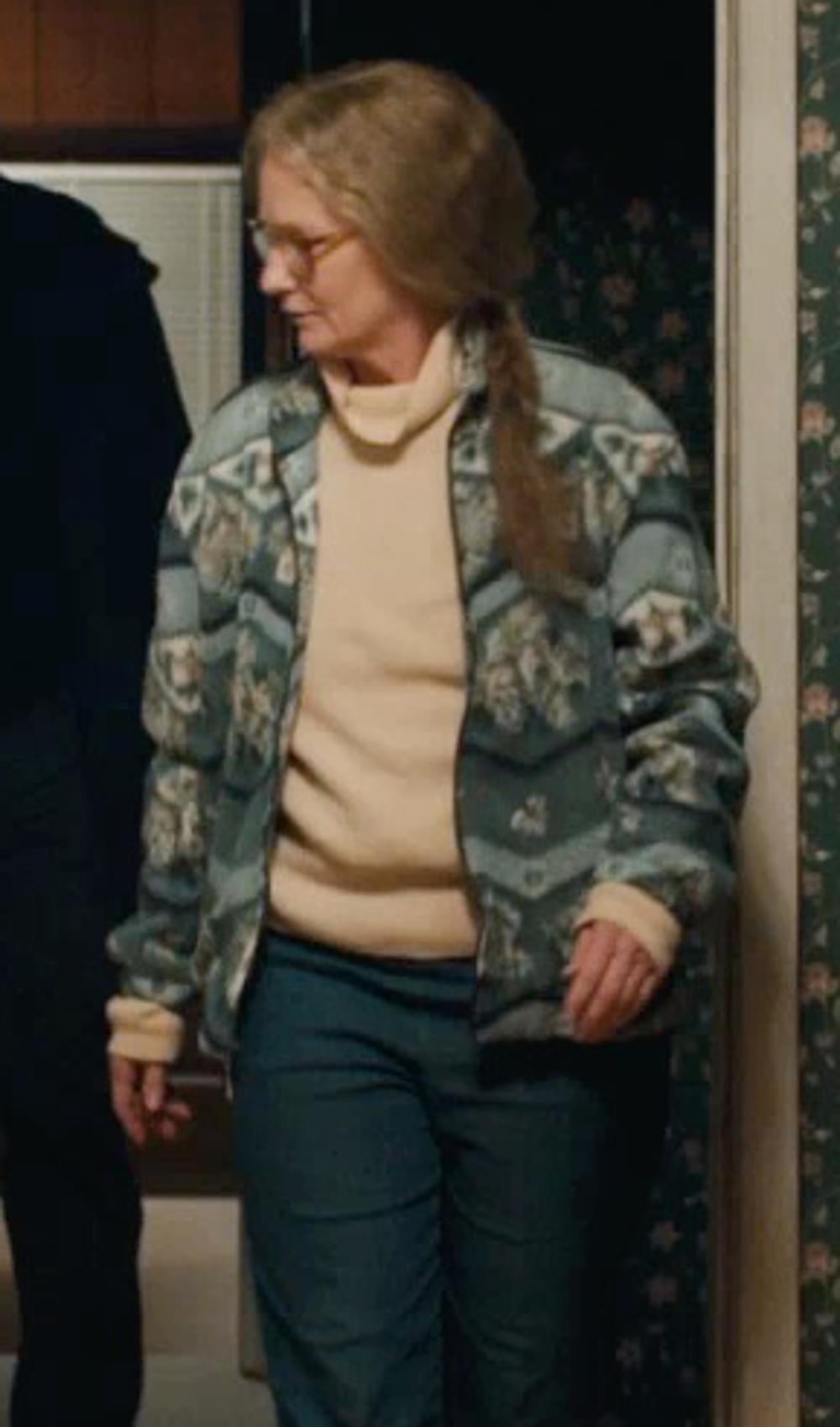 Melissa Leo with Woolrich Laurel Run Turtleneck Sweater in Prisoners