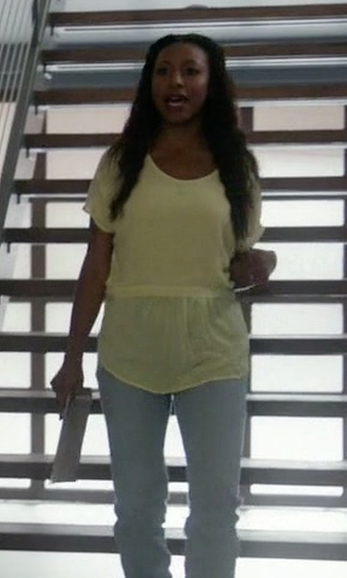 Gabrielle Dennis with P.A.R.O.S.H. Short Sleeve Blouse in Rosewood
