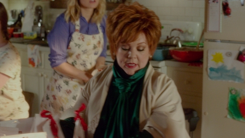 Melissa McCarthy with Michael Kors Pleated Tie-Neck Blouse in The Boss