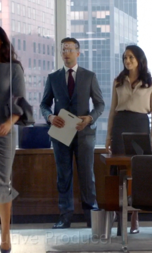 Patrick J. Adams with Magnanni Men's Hiro Oxford Shoes in Suits