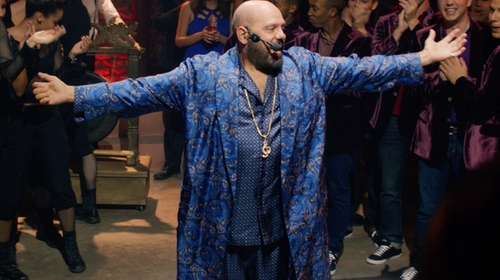 David Cross with Derek Rose Printed Silk Robe in Pitch Perfect 2