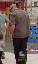 Modern Family - Season 7 Episode 1 - Summer Lovin'