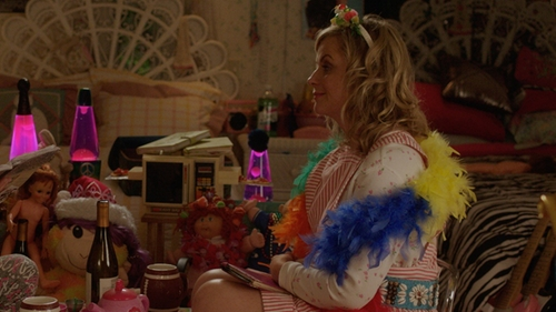 Amy Poehler with Rhode Island Novelty Rainbow Feather Boa in Sisters