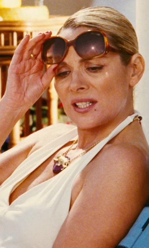 Kim Cattrall with Louis Vuitton Gina Honey Brown Sunglasses in Sex and the City