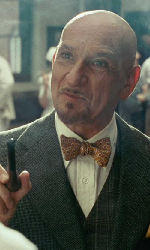 Ben Kingsley with Torrini Oval Gold Men's Ring in Shutter Island