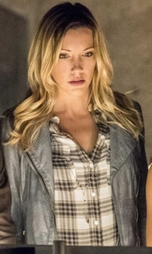 Katie Cassidy with Paige Trudy Shirt - Black & True Blush in Arrow