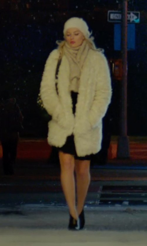 Margot Robbie with Helmut Lang White Goat Fur Coat in Focus