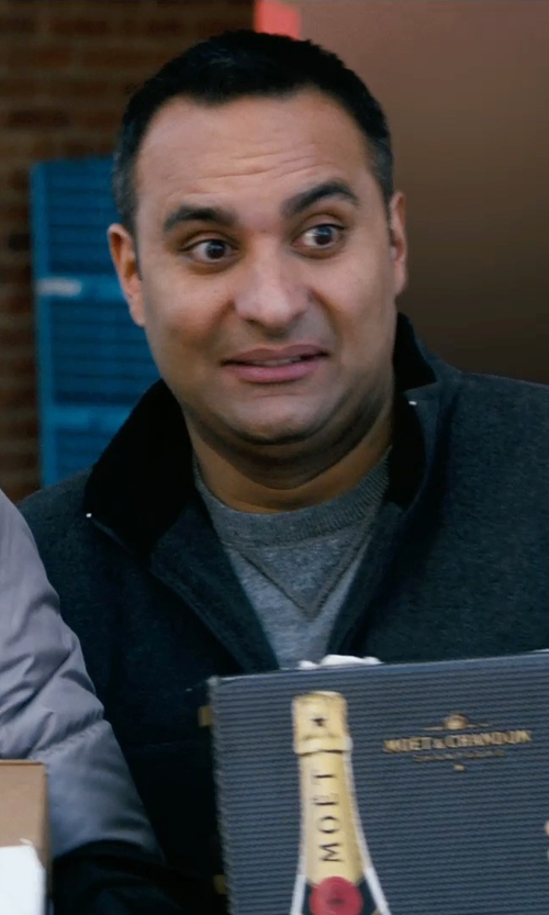 Russell Peters with Tommy Bahama Barbados Crew Sweater in New Year's Eve