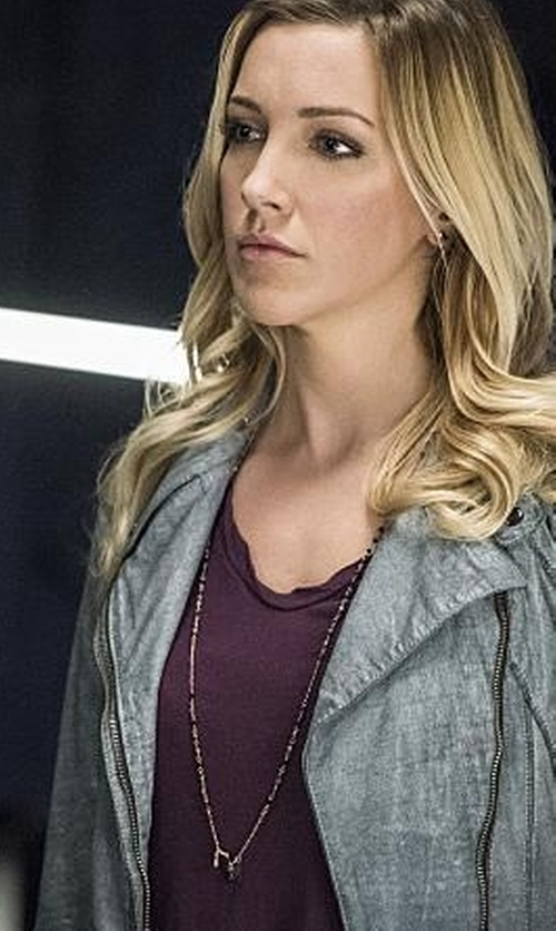 Katie Cassidy with Ojai Clothing Cap Sleeve Tee Shirt in Arrow