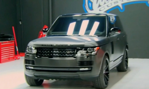 Khloe Kardashian with Land Rover Range Rover SUV in Keeping Up With The Kardashians