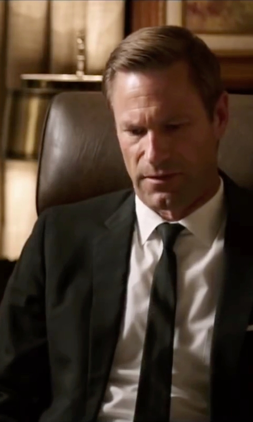 Aaron Eckhart with Hugo Boss Solid Two Button Notch Lapel Wool Suit in My All American
