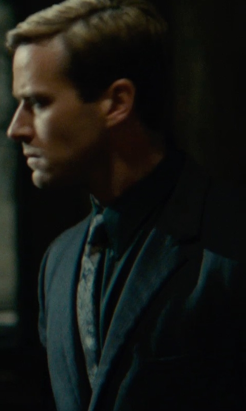 Armie Hammer with Maison Margiela Solid Two-Piece Suit in The Man from U.N.C.L.E.