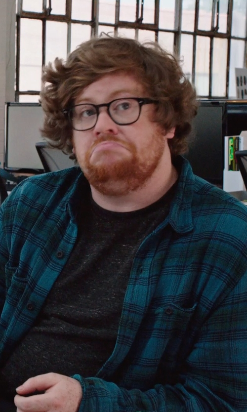 Zack Pearlman with Alternative Flannel Button Up Shirt in The Intern