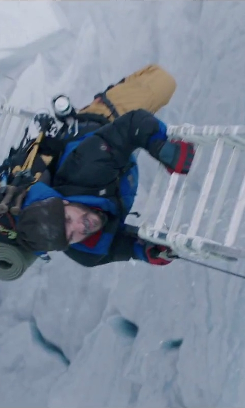 Michael Kelly with DaKine Impreza Gore-Tex Snow Gloves in Everest