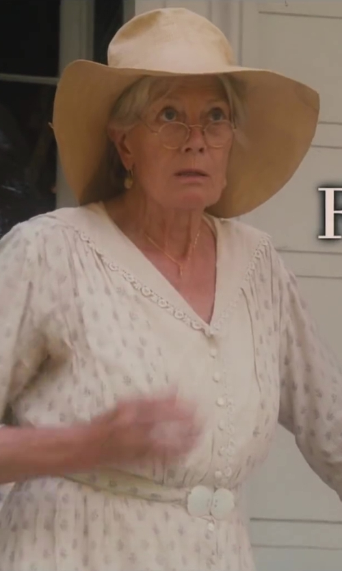 Vanessa Redgrave with Echo Design Women's Open-Weave Floppy Hat in Lee Daniels' The Butler