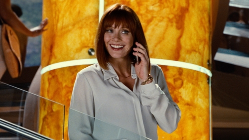 Bryce Dallas Howard with Shinola The Runwell Rose Gold Watch w/Bracelet Strap in Jurassic World