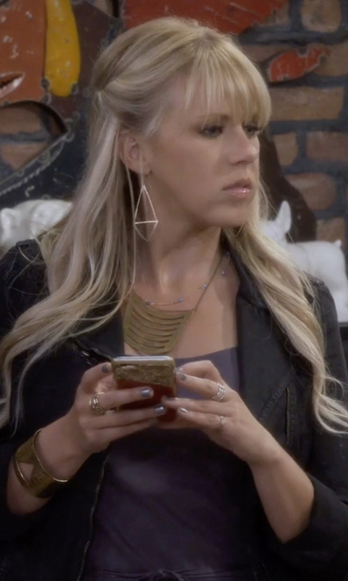Jodie Sweetin with Gorjana Mika Cutout Drop Earrings in Fuller House
