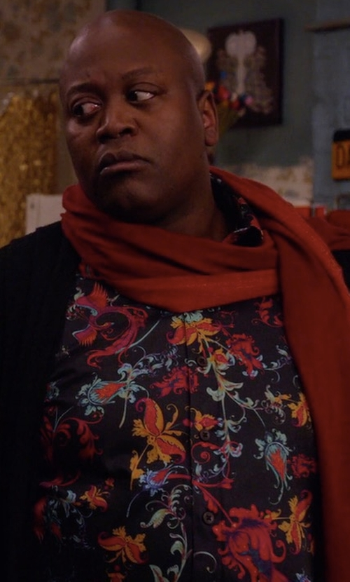 Tituss Burgess with Oulio Floral Pattern Shirt in Unbreakable Kimmy Schmidt