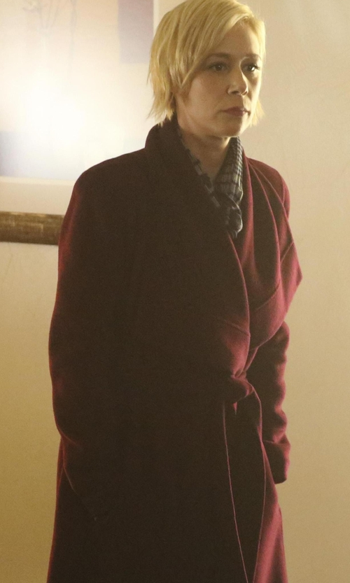 Liza Weil with Donna Karan  Belted Draped Lapel Cashmere Coat in How To Get Away With Murder