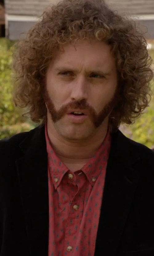 T.J. Miller with Tomas Maier Velvet Blazer in Silicon Valley