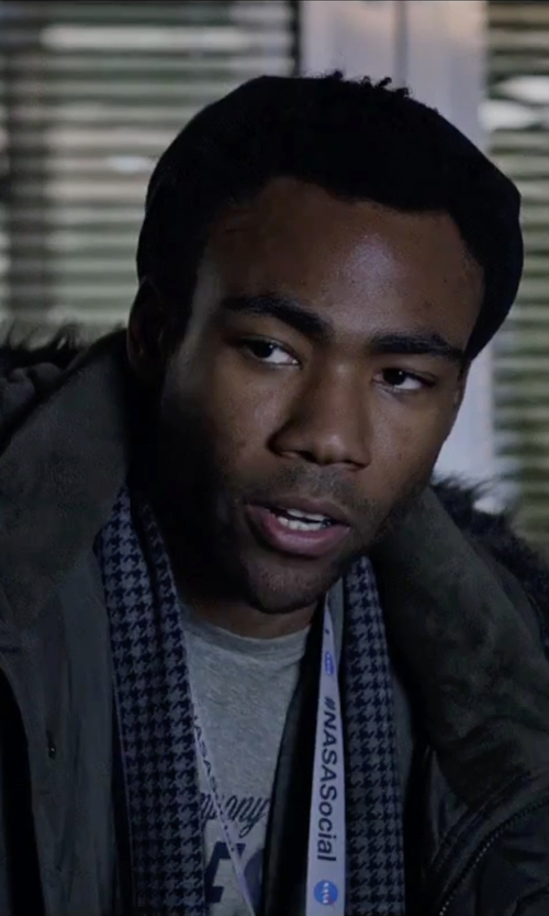 Donald Glover with 21Men Reversible Houndstooth Scarf in The Martian