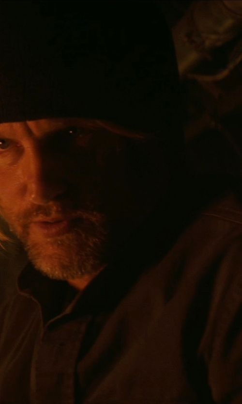 Woody Harrelson with Lad Musician Black Rib Knit Beanie Hat in The Hunger Games: Mockingjay Part 1