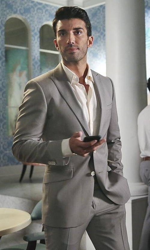 Justin Baldoni with Versace Collection Trend-Fit Wool Suit in Jane the Virgin
