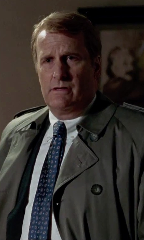 Jeff Daniels with Salvatore Ferragamo	 Owl-Print Woven Tie in Steve Jobs