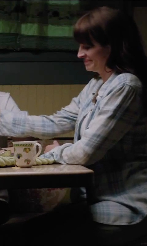 Julia Roberts with Ralph Lauren Embroidered Plaid Cotton Shirt in Secret in Their Eyes