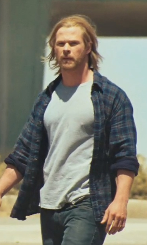 Chris Hemsworth with Diesel Dave Crew Neck Shirt in Thor