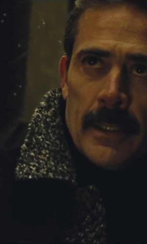 Jeffrey Dean Morgan with Barneys New York Men's Cashmere Stockinette-Stitched Scarf-Black in Batman v Superman: Dawn of Justice