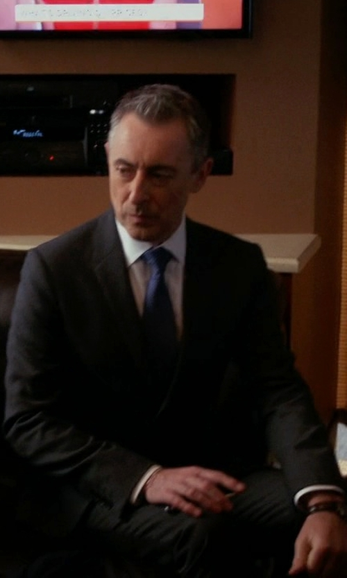 Alan Cumming with Ralph Lauren Black Label Anthony Solid Two-Piece Wool Suit in The Good Wife