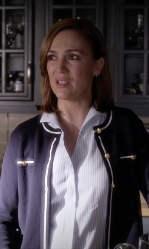 Lesley Fera with Honora Style Freshwater Pearl Stud Earrings in Pretty Little Liars