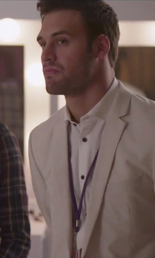 Ryan Guzman with Ralph Lauren Solid Linen Sport Coat in Jem and the Holograms