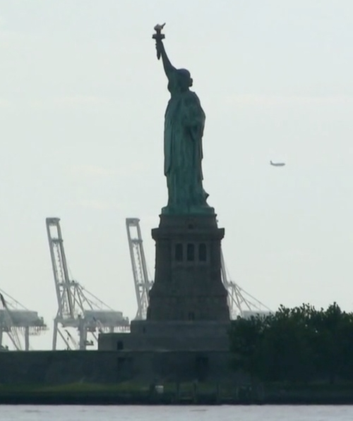 Unknown Actor with Statue of Liberty National Monument New York City, New York in Keeping Up With The Kardashians