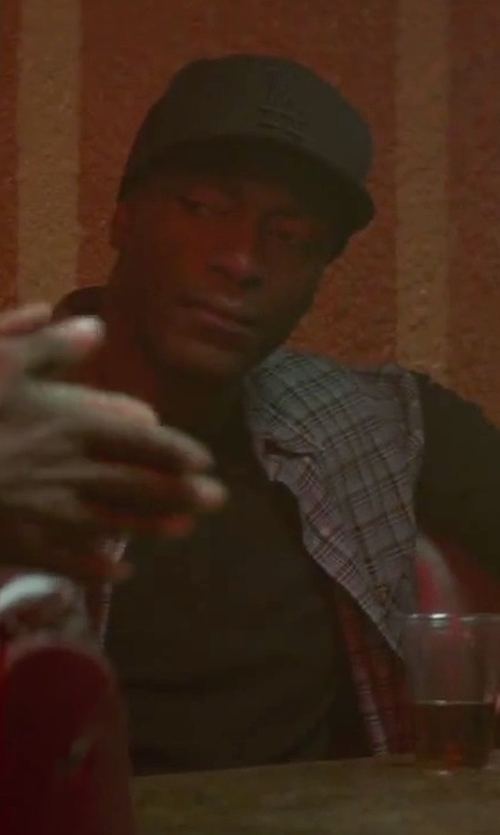Aldis Hodge with Toscano Cotton Sport Shirt in Straight Outta Compton
