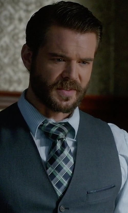 Charlie Weber with John Varvatos Star Usabroken Line Check Skinny Tie Broken Line Check Skinny Tie in How To Get Away With Murder
