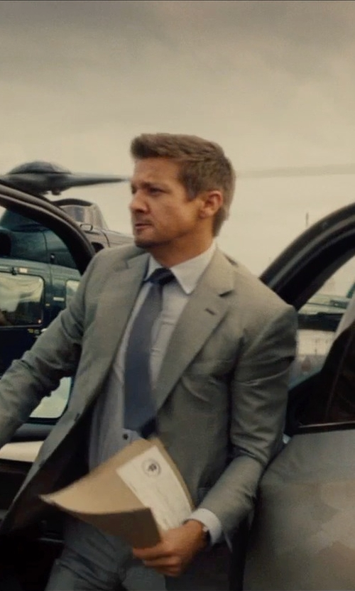 Jeremy Renner with Saks Fifth Avenue Collection Solid Silk Tie in Mission: Impossible - Rogue Nation
