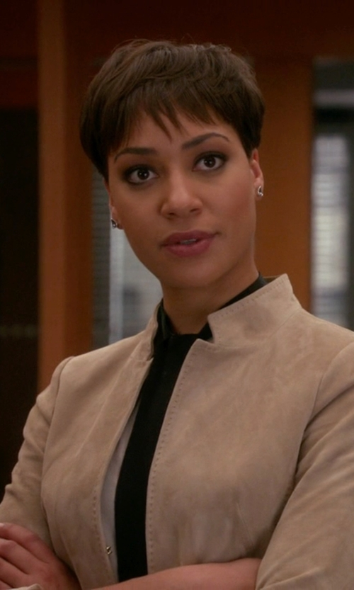 Cush Jumbo with Malloni Single Breasted Blazer in The Good Wife