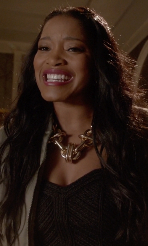Keke Palmer with Urban Outfitters Museum Walls Knotted Necklace in Scream Queens