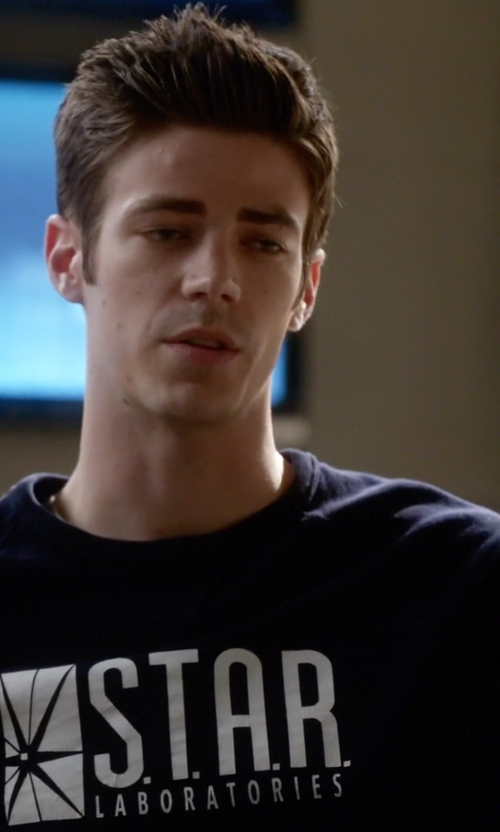 Grant Gustin with Go All Out Screenprinting Star Labs Sweatshirt Crewneck Sweater in The Flash