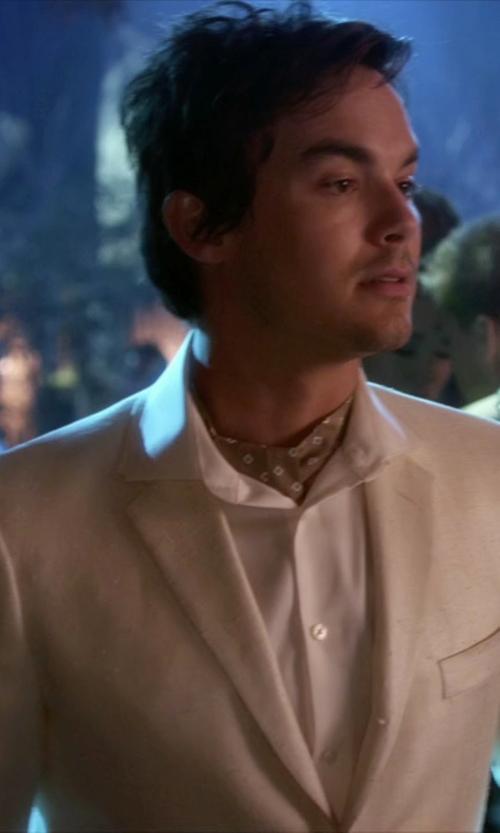 Tyler Blackburn with Boglioli Twill Dover Three-Button Suit in Pretty Little Liars