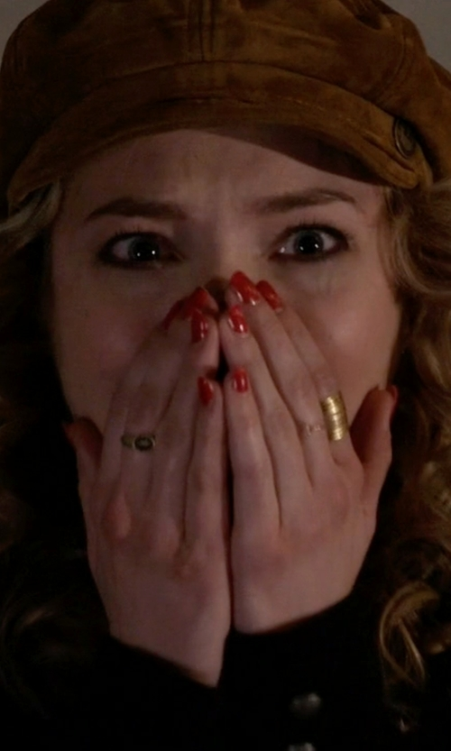 Skyler Samuels with Devon Leigh Gold Dipped Hammered Ring in Scream Queens